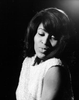 tina-turner-black-white-photo-shoot-1960s-02